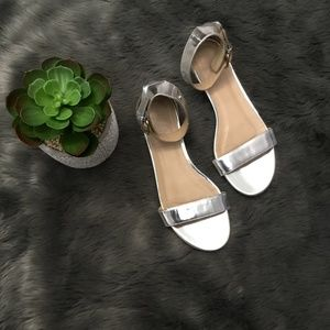 J. Crew Silver Sandals Sz 7 Metallic